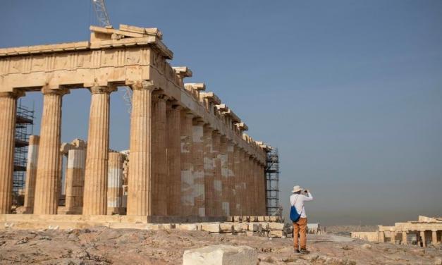 Делта вече удари гръцкия туризъм, продават хотели на Крит и Халкидики