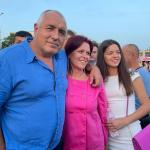 Борисов в Сливница пред изпълнения с хора площад: Те са силата на ГЕРБ, благодаря им за подкрепата и за куража!